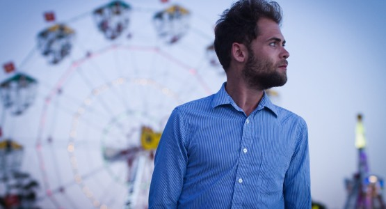 "Passenger anuncia novo álbum, ""Young as the Morning Old as the Sea"""