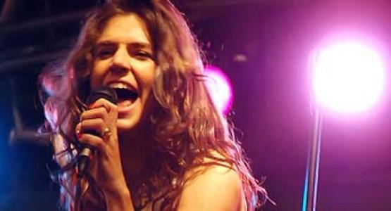 Mariana Aydar no Som das Seis